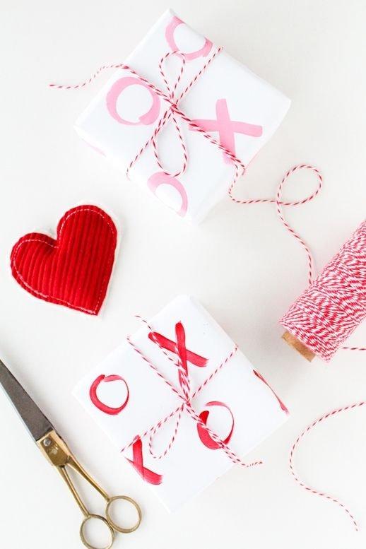 pink,heart,font,petal,organ,