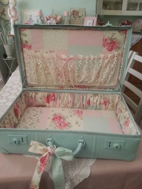 Shabby Suitcase Makeover - 29 Vintage Storage Ideas to Add a…