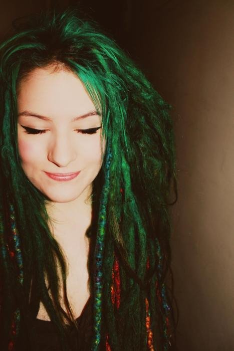 hair,color,face,red,green,