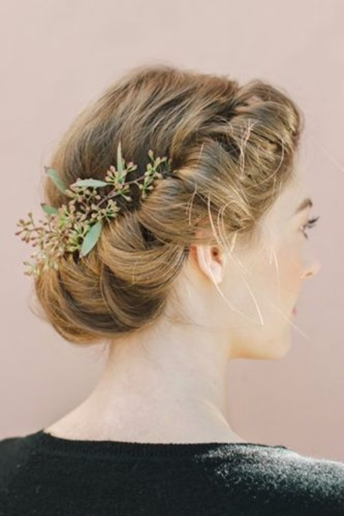 hair,bridal accessory,clothing,hairstyle,fashion accessory,
