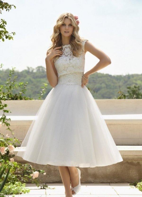 wedding dress,dress,clothing,bridal clothing,woman,