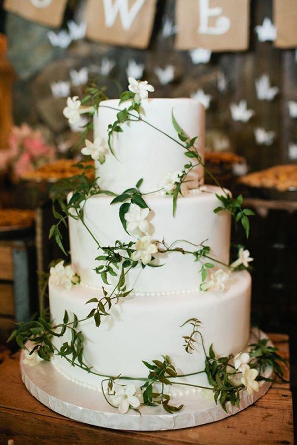 wedding cake,buttercream,icing,floristry,cake,