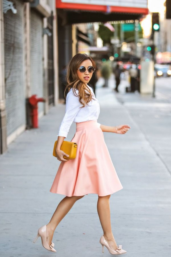 A Flowy Midi Skirt and Your Go-to Button down Shirt - 7 Easy…