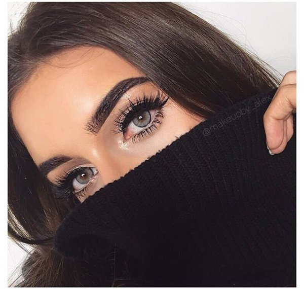 clothing, hair, eyebrow, eyelash, hairstyle,