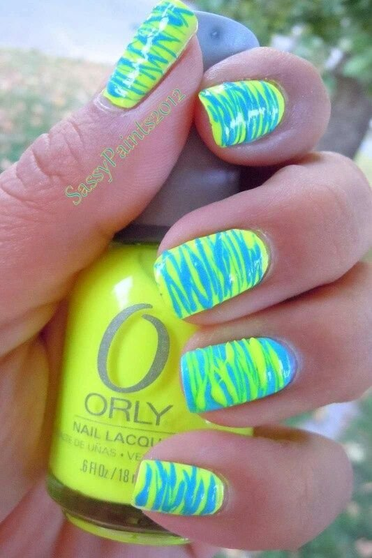 color,nail,finger,green,yellow,