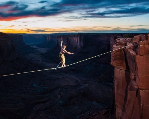 Highline above a Canyon in the USA
