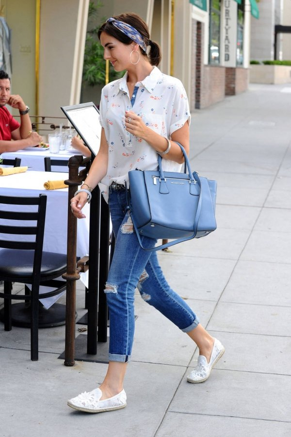 8. Camilla Belle - 11 Celebrities Wearing Ripped Jeans – Who Wore It…