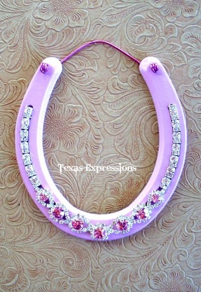 32 bling horseshoe 37 horseshoe crafts to try your luck for Wooden horseshoes for crafts