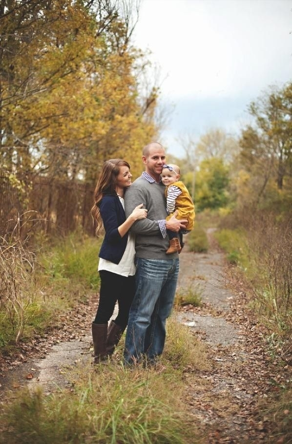 15 Country Lane 27 Fall Family Photo Ideas You 39 Ve Just
