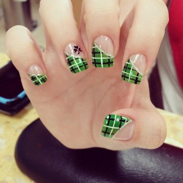 Green plaid spread the luck 46 nail designs for st patricks 10 green plaid prinsesfo Images