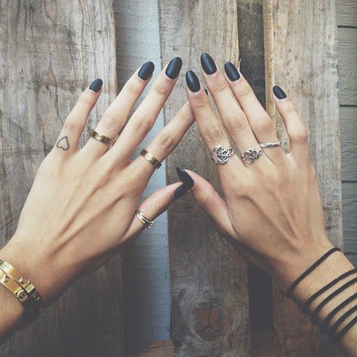 nail,finger,ring,hand,fashion accessory,