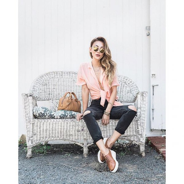 clothing, footwear, human positions, hairstyle, leg,