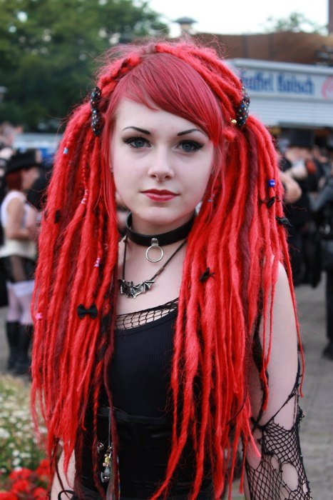 hair,human hair color,clothing,red,hairstyle,