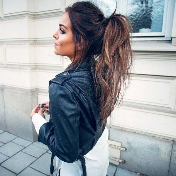 hair,clothing,long hair,hairstyle,brown hair,