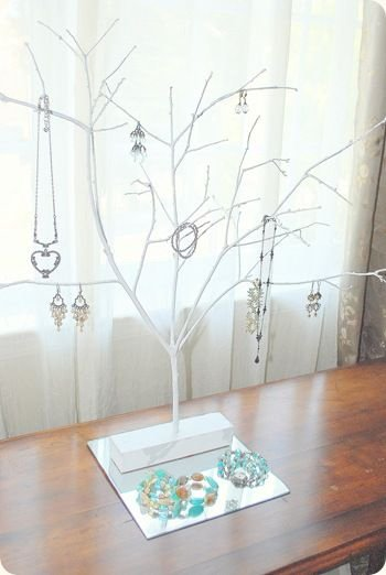 Organize Your Jewelry on a Tree