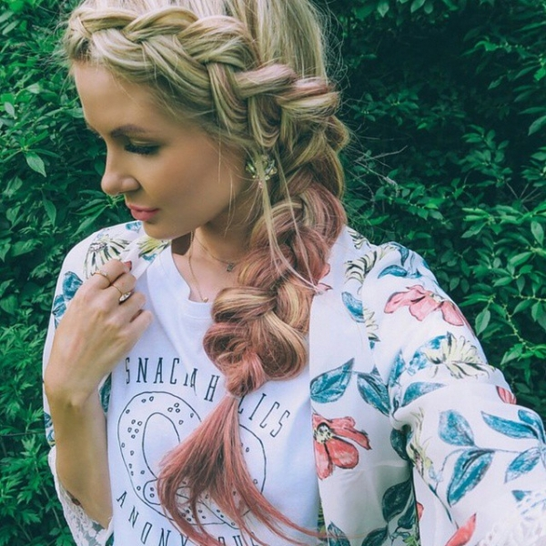 clothing, hair, hairstyle, woman, blond,