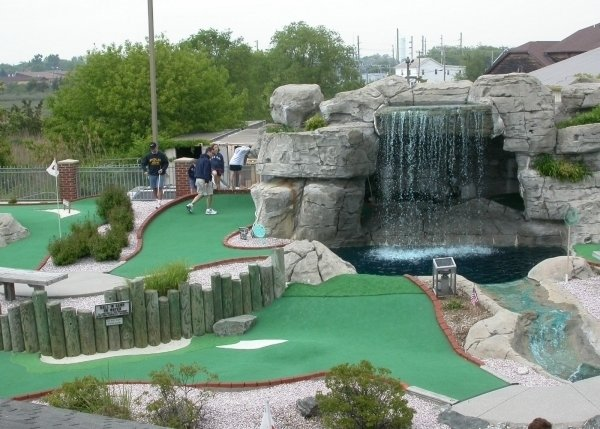 Play Miniature Golf