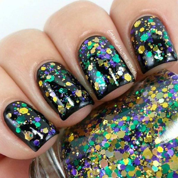color,nail,finger,fashion accessory,glitter,