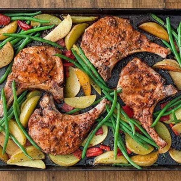 Roast Pork Chops with Green Beans and Potatoes