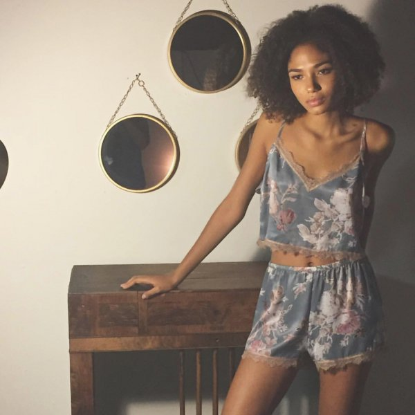 fashion model, shoulder, photo shoot, girl, brown hair,