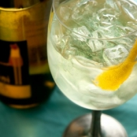 8 Cool Summer Wine Spritzer Recipes to Try ...