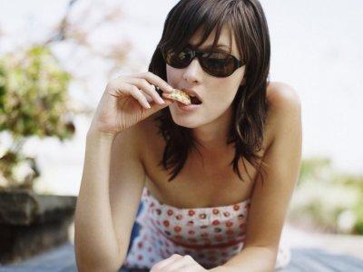 7 Ways to Avoid Snacking at Night ...