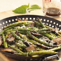 7 Delicious Asparagus Recipes...