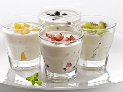 7 Reasons to Eat Yogurt to Keep Your Tummy Trim ...