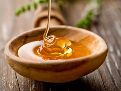 9 Ways to Use Honey Other than Eating It ...