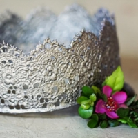 8 Totally Cute DIY Crowns ...