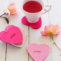 11 Incredible DIY Valentine's Day Decorations ...
