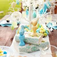 39 Festive Spring Tablescape Ideas for the Best Brunch Ever ...