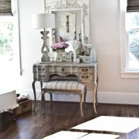 7 Ideas to Organize Your Vanity ...