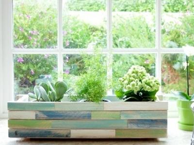 8 Beautiful DIY Window Box Planters ...