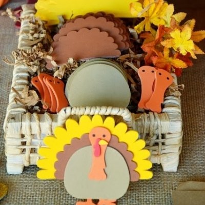 20 Festive Thanksgiving Crafts for Your Family ...