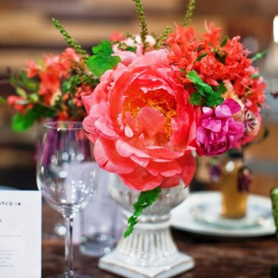 9 Beautiful and Easy DIY Floral Centerpieces ...