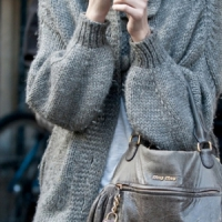 7 Tips on How to Wear a Sweater and Look Chic ...