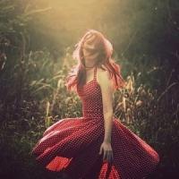 8 Bold Polka Dot Dresses ...
