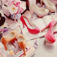 8 Fabulous Colored Pumps for Spring ...