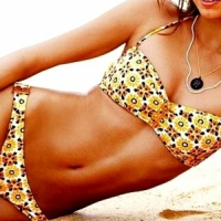 8 Cute Patterned Bikinis for the Beach ...