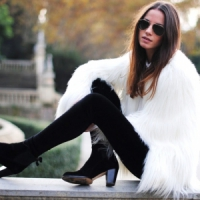 7 Tips on How to Wear White in Winter ...