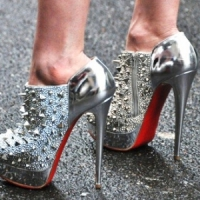 8 Fab Tips on How to Style Metallic Shoes This Fall ...