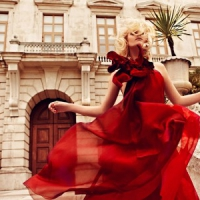 8 Stunning Red Dresses That Make a Statement ...
