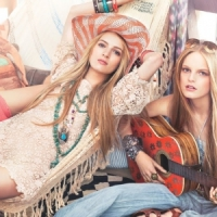 7 Cool Accessories to Wear to a Summer Concert ...