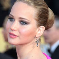 7 Celebrities Totally Rocking the Hot Pink Trend ...