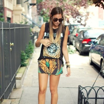 7 Ways to Wear Your Favorite Band T Shirt ...