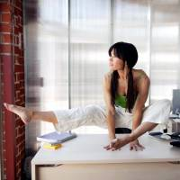7 Exercises You Can do at Your Desk ...