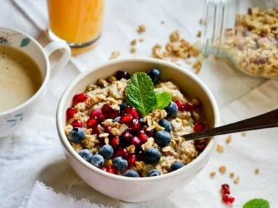 7 New Trendy and Tasty Things to Add to Your Oatmeal Each Morning ...