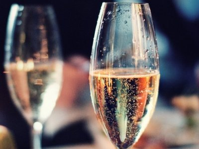 7 Delicious and Easy Things to do with Champagne ...