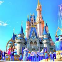 8 Delicious Disneyland Restaurants ...